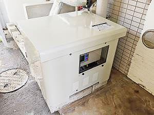 給水ポンプユニットカバー設置